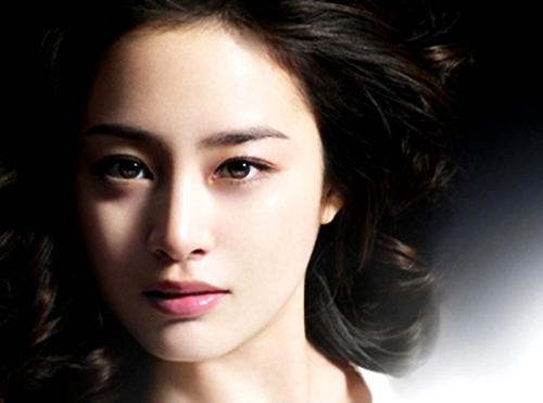 Phẫu thuật khuôn mặt v-line sẽ khắc phục triệt để tình trạng hai cằm