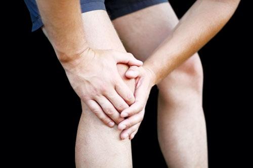 Nguyên nhân của bệnh viêm khớp là do tổn thương xương, lao động mệt mỏi