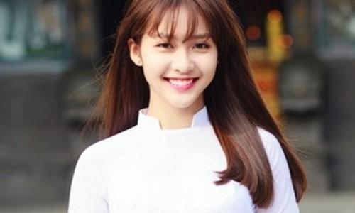 Kiểu tóc thẳng hợp với gương mặt V-line