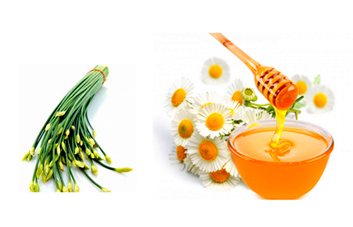 Bài thuốc trị ho từ mật ong và lá hẹ