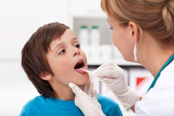 Những biến chứng nguy hiểm của bệnh viêm họng
