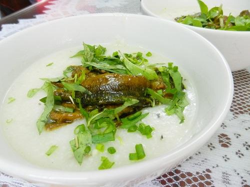 Cháo lươn rau ngổ tốt cho người bệnh trĩ