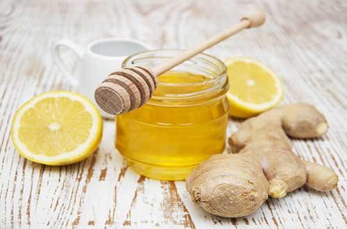 Kết hợp gừng với mật ong chữa viêm họng