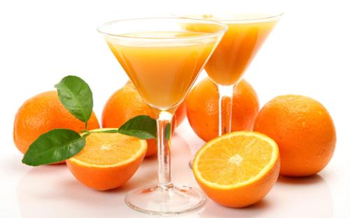 Uống nước cam vào bữa sáng có tốt không?