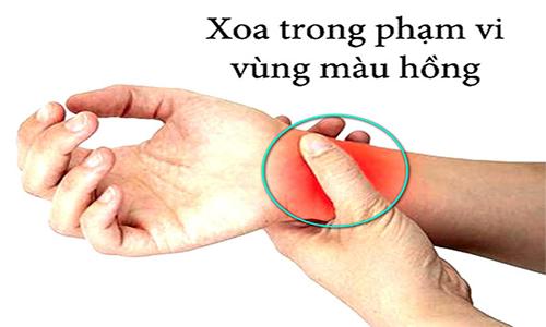 Cách làm dứt điểm cơn ho, viêm họng theo phương pháp bấm huyệt