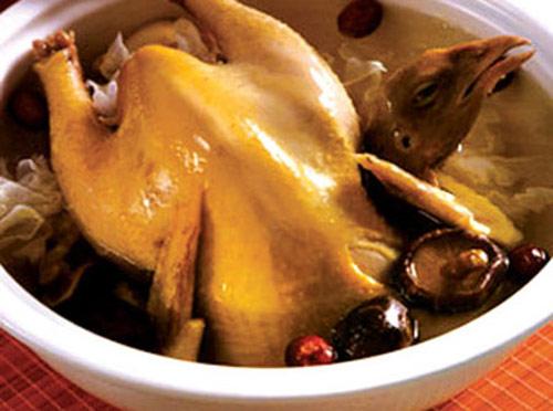 Tăng cường bổ thận nhờ món ăn bài thuốc nấu canh đuôi bò